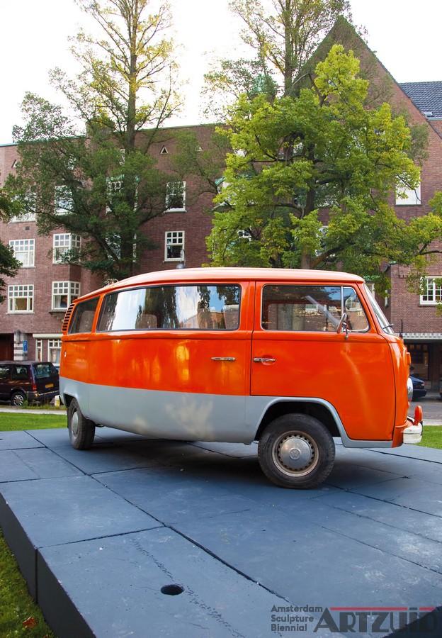 ARTZUID 2009 archief Erwin Wurm - ``Telekinetically bent VW Van``